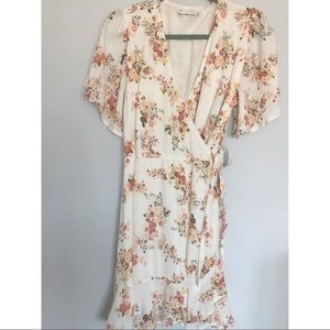 Abercrombie & Fitch floral ruffle wrap dress large